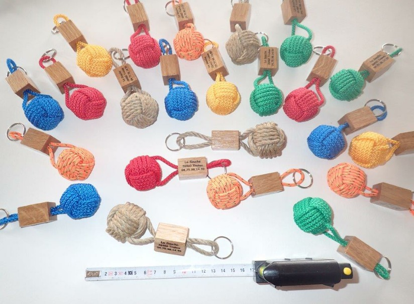 porte-clef-couleur-camping